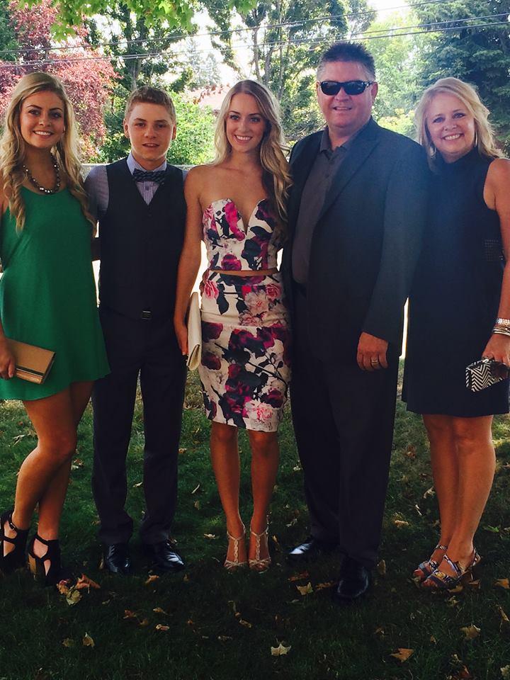 Jones family wedding style