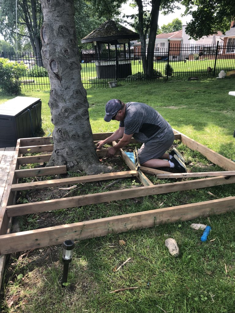 Building the understructure of the tree deck
