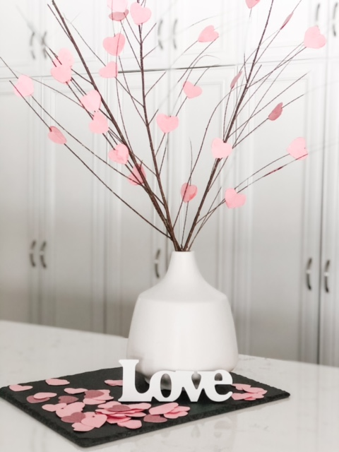 This Heart Tree is an easy Valentine's Day decoration.